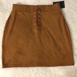 BRAND NEW: forever 21 suede skirt